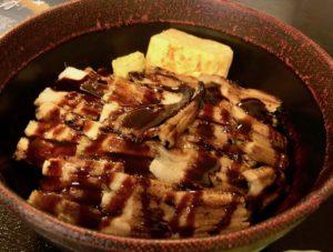 「穴子丼」も人気