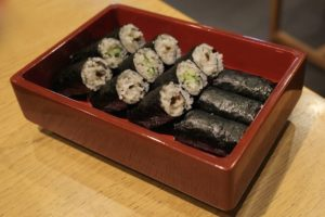 東家名物の「蕎麦寿司」