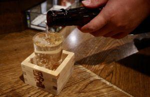 日本酒はなみなみと