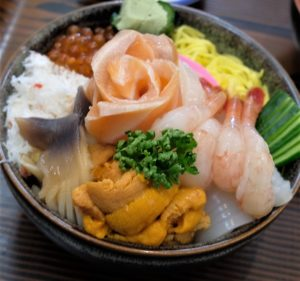 名物の「海鮮丼」