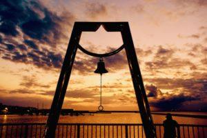 黄昏時の夕陽の色