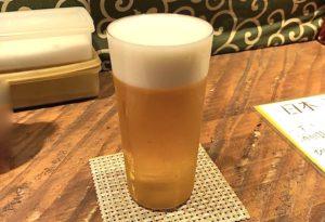 生ビールのグラスは高級な「うすはり」