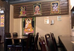 店内にはネパール絵画