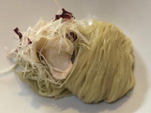 特製のストレート麺