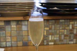 シャンパンはグラスで飲めます