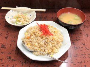 サラダに味噌汁も付きます(これで500円!)