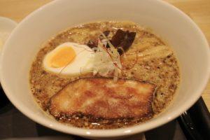 「一ノ寅」と「二ノ寅」はスープの濃さの違いだけ(写真は「一ノ寅」)