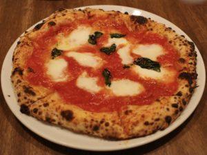 ナポリの代表的なピッツァ「マルゲリータ」