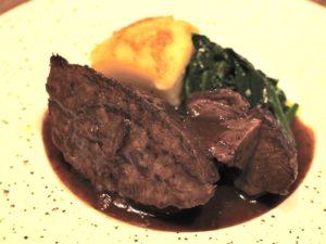 「国産牛頰肉の赤ワイン煮込み」