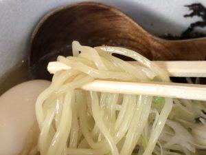 麺は中太縮れ麺(ストレート麺にも変更可)