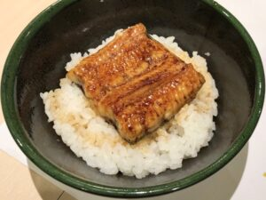 手軽な「ミニ丼」(店内飲み)