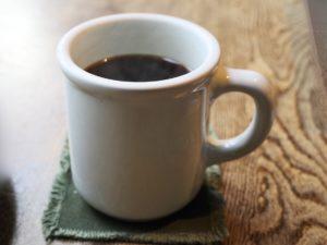 「コーヒー」は大きめのカップにたっぷり