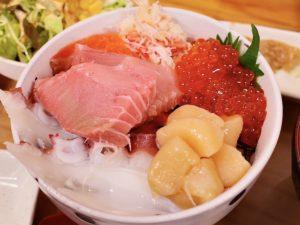 おすすめの「6色丼」