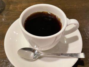香り高いコーヒーはやはり「カフェ」