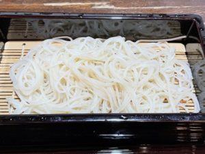 メインは「更科」の白い蕎麦