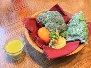 「ミニ野菜ジュース」とその食材