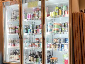 「缶・瓶ビール」は冷蔵庫から