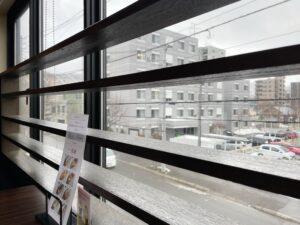 遠くには札幌の山々も見え隠れ
