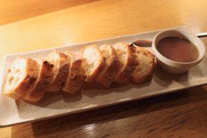 特製「白レバーパテ」に自家製パン