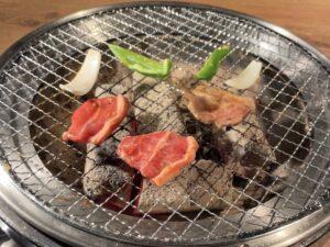 「炭火」の本格焼肉です