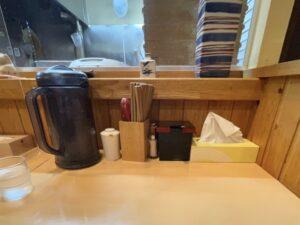 店内はカウンター・テーブル・小上がりがあります
