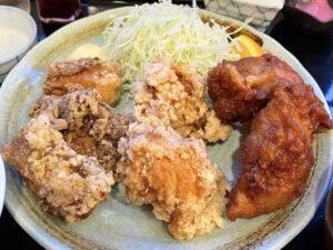 「3種食べ比べザンギ」(右からオリジナル・塩・ソース)