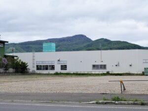 店の前からは手稲山が眺められます