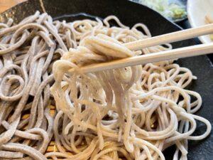 白い細麺の「抜き」