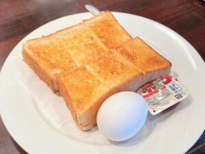 ボリューム十分の「厚切りトースト」