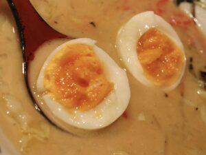 おすすめトッピング「ゆで卵」